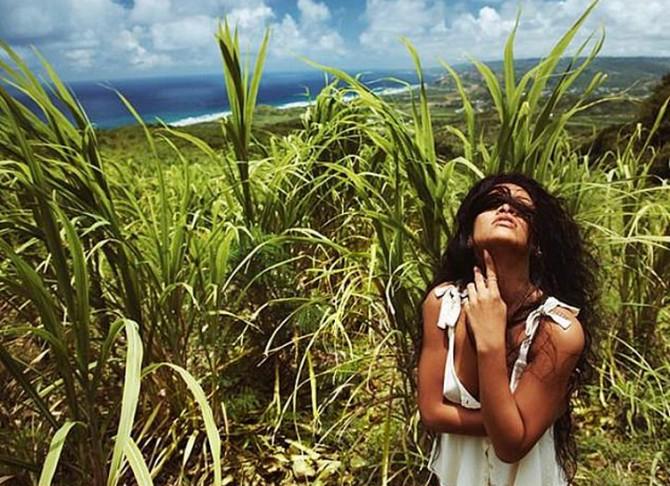 Рианна отдыхает на Барбадосе (ФОТО)