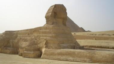 У пирамид Гизы откопали гранитную статую фараона Рамзеса Великого