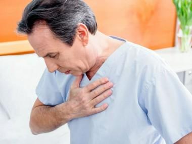 Дисфагия: опасные причины, из-за которых становится трудно глотать