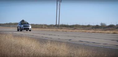 Как рождественскую елку доставляют на Jeep от Hennessey со скоростью 291 км/ч (ВИДЕО)