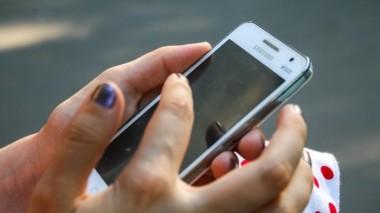 Ученые из США назвали пять болезней, вызываемых смартфонами