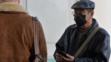 В Китае впервые от коронавируса скончался 62-летний врач