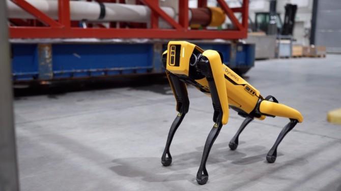 Робот-собака Spot устроился на службу на нефтяную вышку