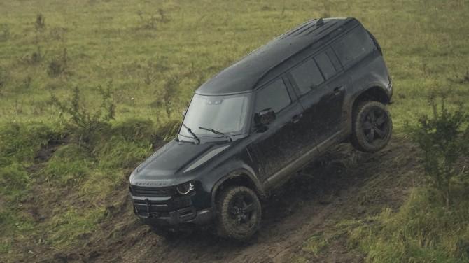 В сети показали испытания нового Land Rover Defender (ВИДЕО)