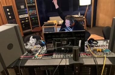 Илон Маск записал свой первый танцевальный трек