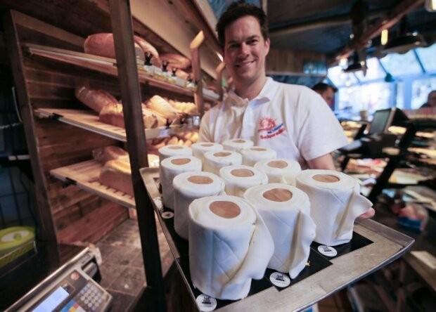 Кондитер из Германии делает пироги в виде туалетной бумаги