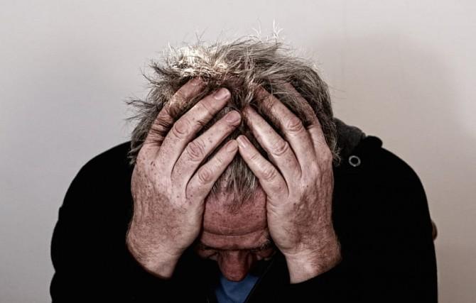 Потеря супруга может ускорить развитие проблем с мозгом