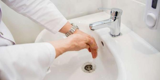 Спасаться от коронавируса американцам посоветовали 20-секундным мытьем рук