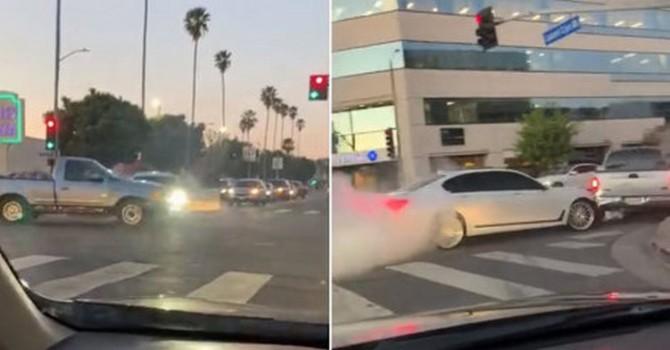 В США водитель BMW отомстил неадекватному водителю пикапа (ВИДЕО)