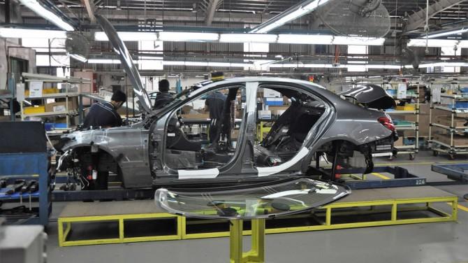 Сотрудники завода Mercedes-Benz самостоятельно остановили производство из-за коронавируса