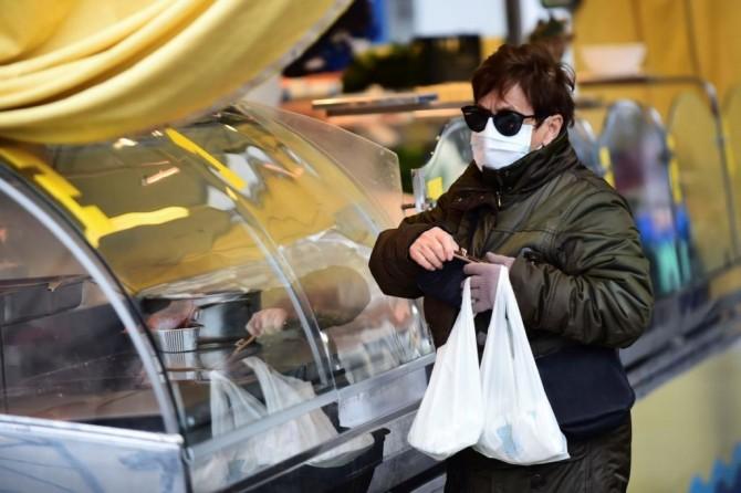 Киев вводит ограничения на пребывание граждан в помещениях магазинов и аптек