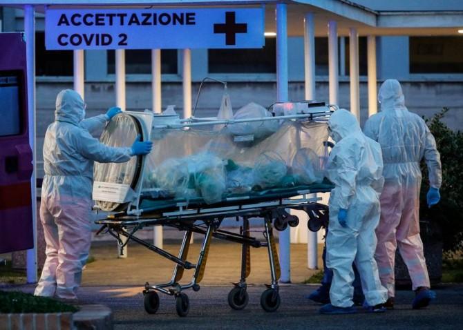 Все больше молодых людей умирают от коронавируса
