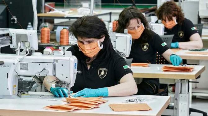 Lamborghini запустило производство масок для лица
