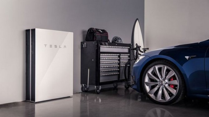 Tesla обновила Powerwall для зарядки авто во время отключения электричества