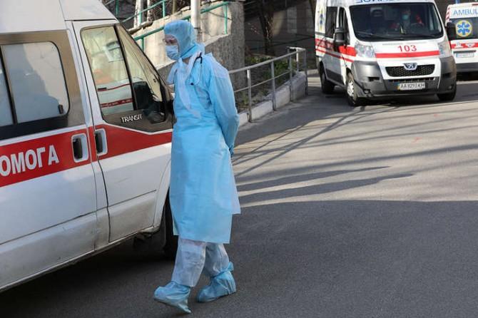 В Украине смертей и зараженных от коронавируса стало еще больше