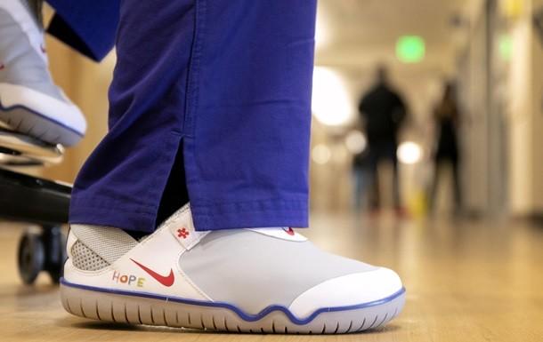 Nike подарит медикам из США и Европы более 30 тысяч пар обуви