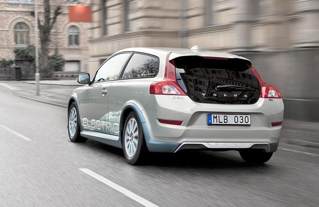 В сети показали, как может выглядеть новый Volvo C30 (ВИДЕО)