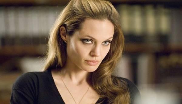 Анджелина Джоли поставила Брэду Питту ультиматум