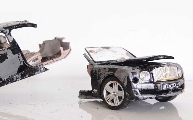 В сети показали видео, как собирали разорванный Bentley