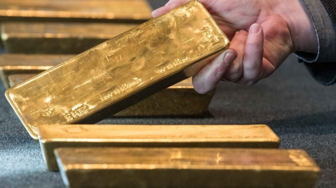 Во Франции дети нашли в старой квартире золотые слитки