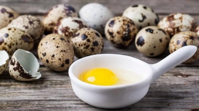 Диетологи назвали полезные свойства перепелиных яиц