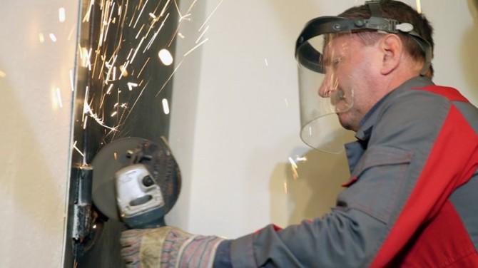 Верховная Рада приняла решение, разрешать ли коммунальщикам ломать двери за долги