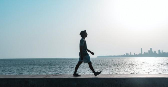 Ученые доказали, что продолжительная ходьба эффективнее краткосрочных тренировок