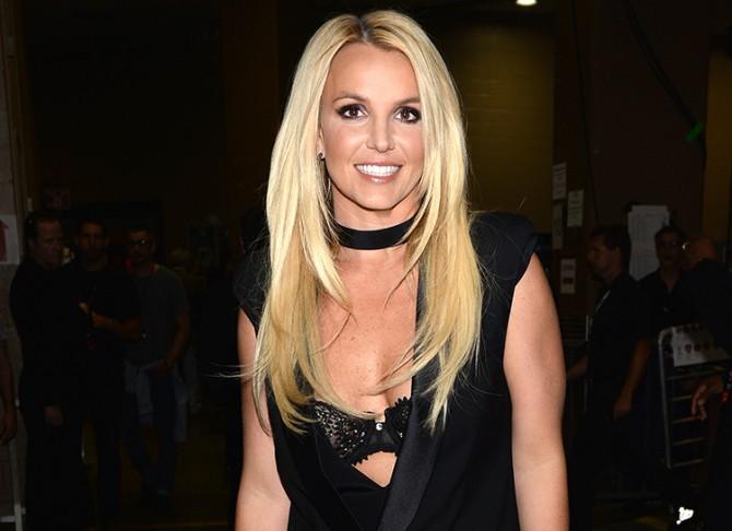 Бритни Спирс выпустила первую за четыре года песню