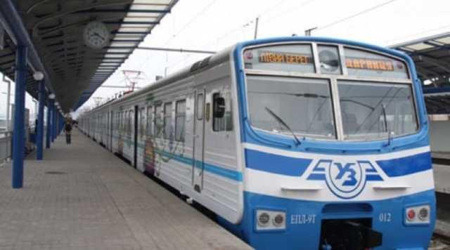 С понедельника в Киеве частично возобновит работу городская электричка