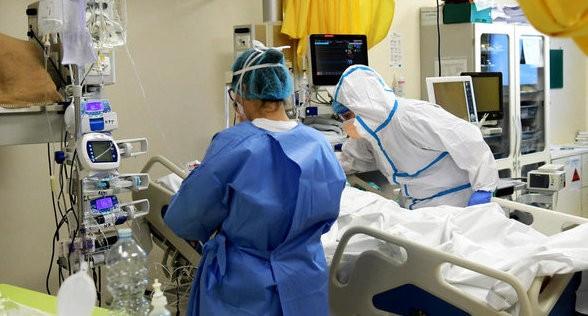 В Украине  второй день подряд рекордное число заболевших на коронавирус
