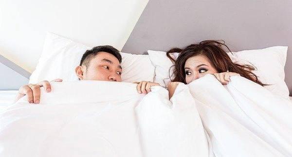 Учёные рассказали, в чём польза сна супругов в одной кровати