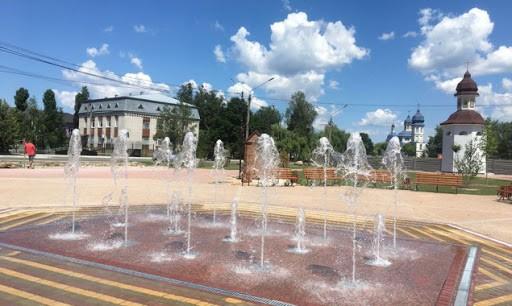 Под Киевом открыли необычный фонтан