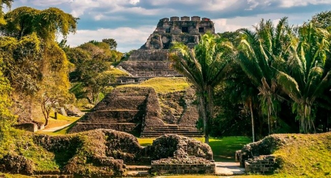 Гибель древнего города майя связали с ядовитой водой