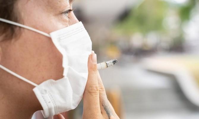 Курильщики реже заражаются коронавирусом, но чаще умирают от него