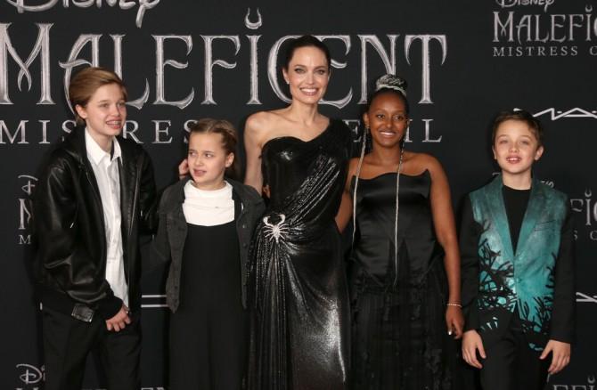 Еще один ребенок Анджелины Джоли и Брэда Питта хочет сменить пол