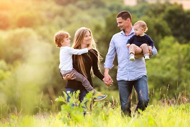 Кабмин начал поддержку семей с низкими доходами
