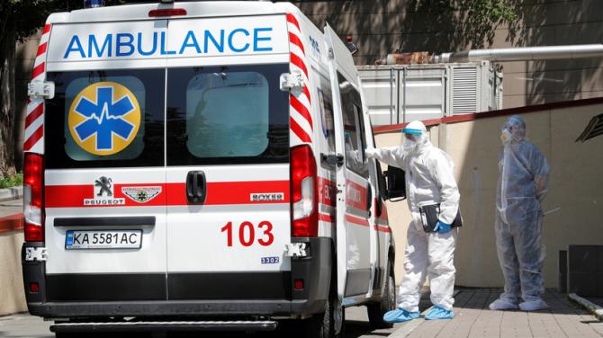 В Украине третий день более 800 новых случаев коронавируса