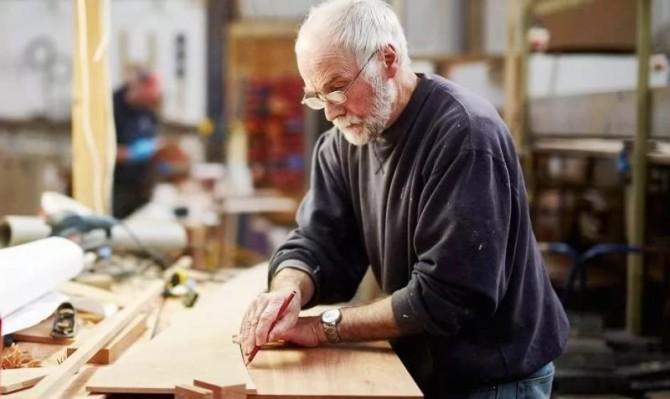 Работающим пенсионерам не повысили пенсии