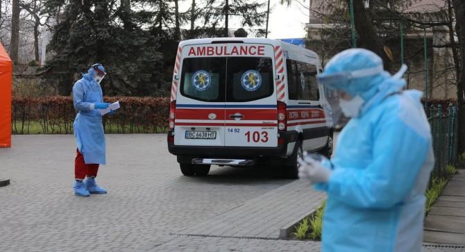 Коронавирус в Украине продолжает стремительный рост