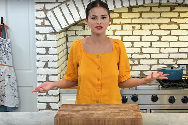 Селена Гомес показала свой дом в трейлере нового кулинарного телешоу (ВИДЕО)