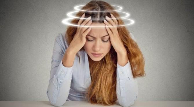 Ученые назвали простой способ избавиться от головокружений