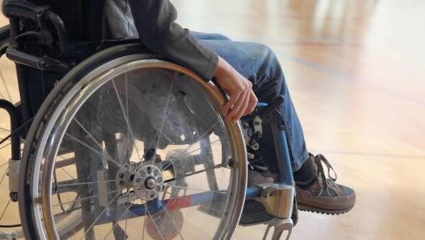 Украинцам с инвалидностью вдвое повысили надбавки по уходу
