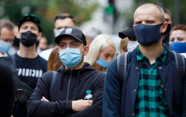 В Украине за сутки подтвердили 2411 новых случаев коронавируса