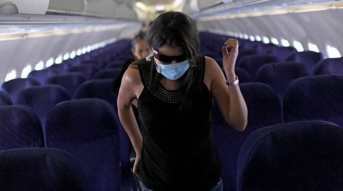 В Японии самолет совершил вынужденную посадку из-за пассажира без маски
