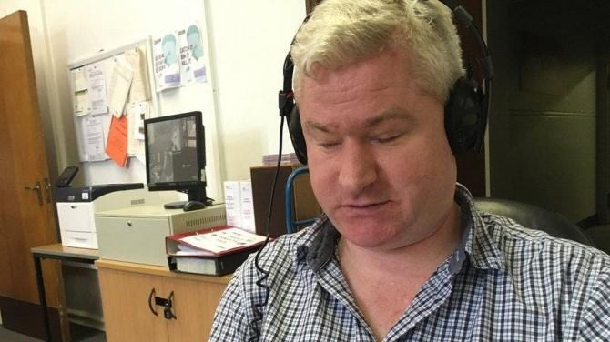 Слепой журналист BBC лишился работы из-за скачивания порно