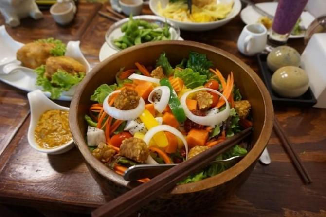 Ученые из Австралии доказали негативное влияние шума в ресторанах на аппетит