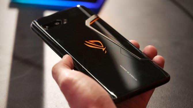 ASUS выпустит бюджетную модификацию игрового смартфона ROG Phone 3