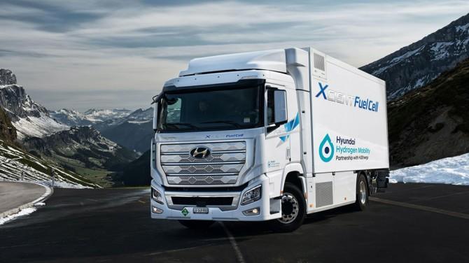 Hyundai выпустил дебютный водородный грузовик