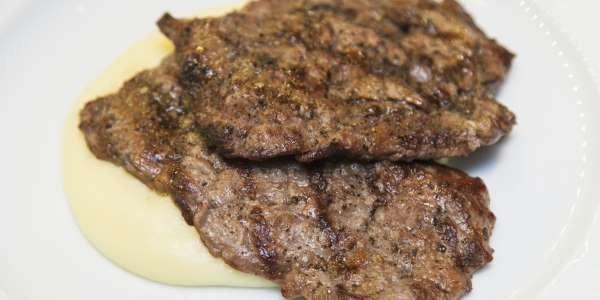 Ученые доказали, что отказ от мяса грозит переломами костей