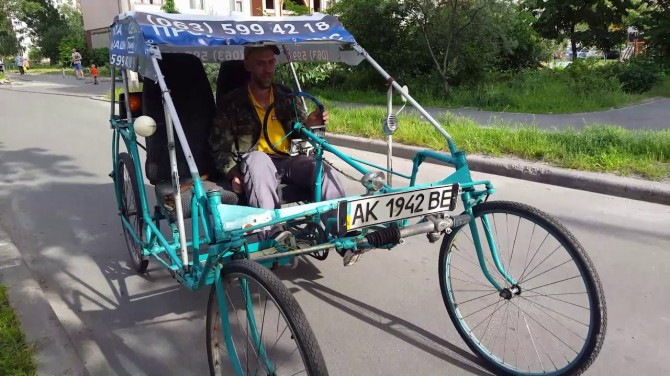 В Киеве нашлись опытные образцы уникального квадровелосипеда (ВИДЕО)